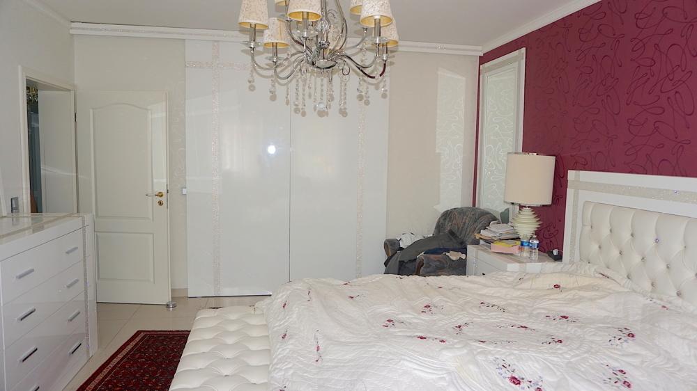 Schlafzimmer mit Ankleide UG