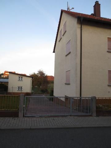 Haus mit Hofeinfahrt