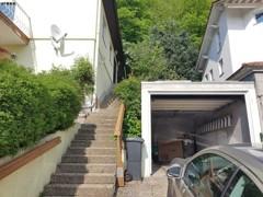 Garage und Eingang