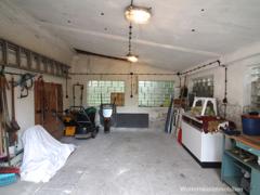 Garage mit 4 Fenstern