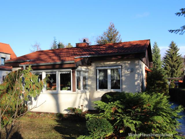 Großes Grundstück und kleines Haus