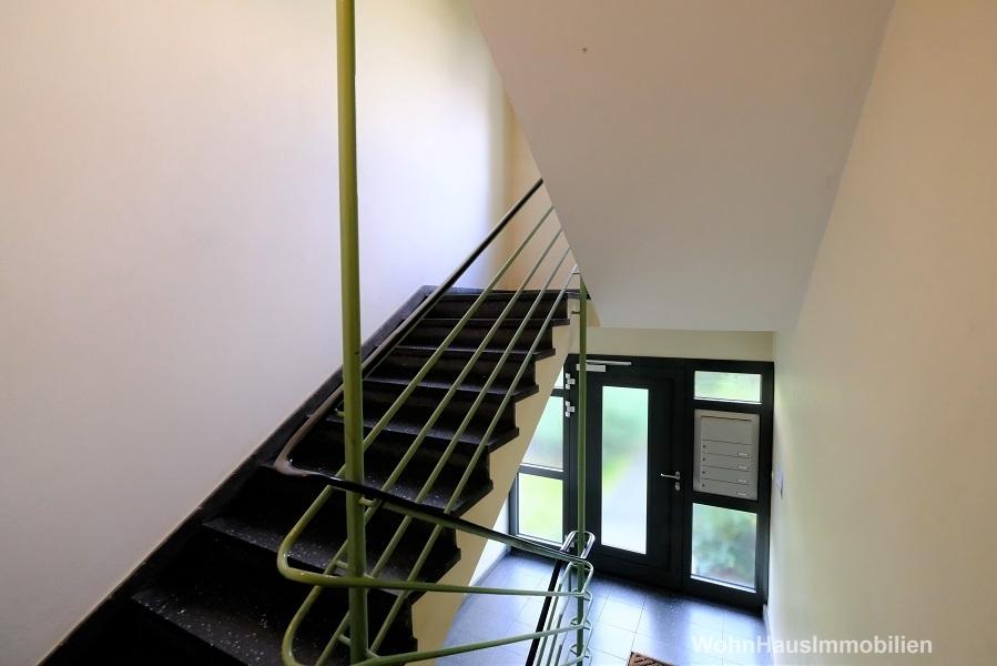 das gepflegte Treppenhaus