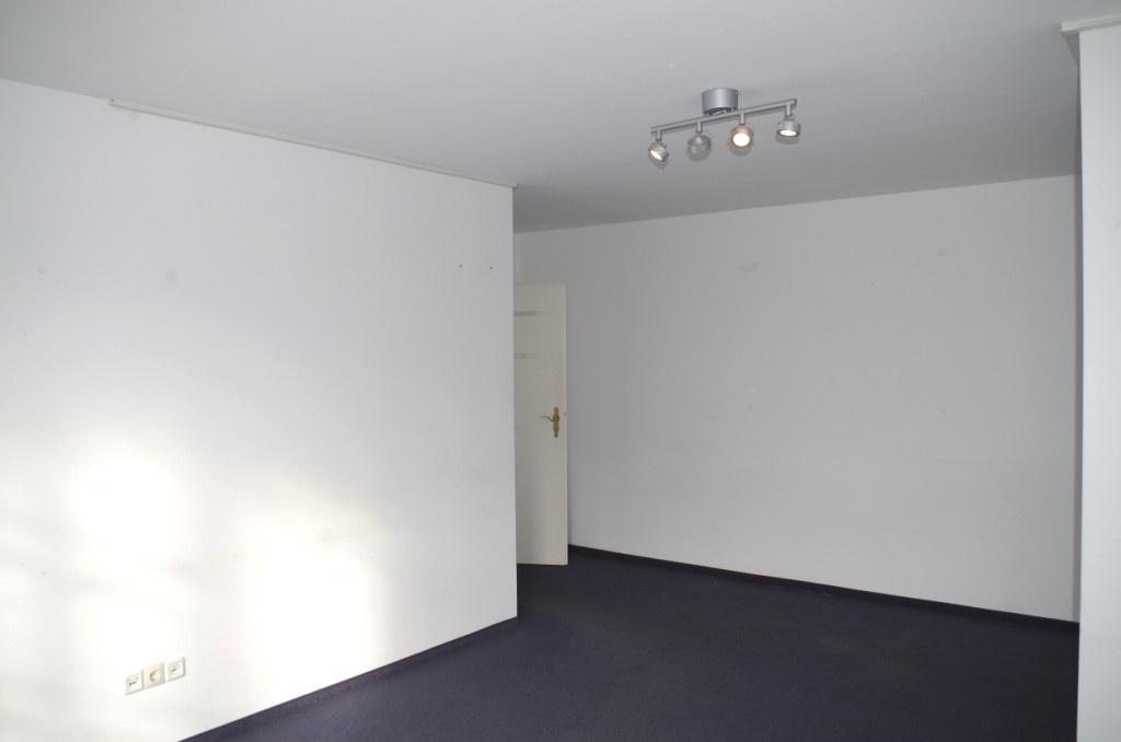 Büro 1 (c)
