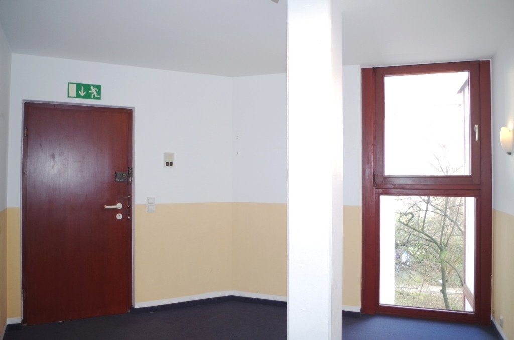Eingang (a)