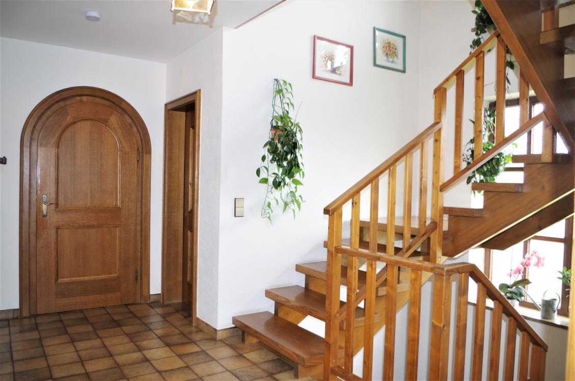 Diele mit Eingang und Gäste-WC