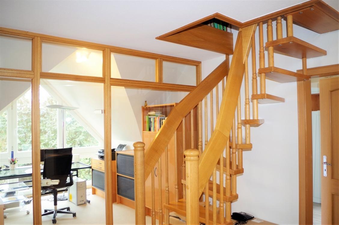 Wendeltreppe zum Spitzboden