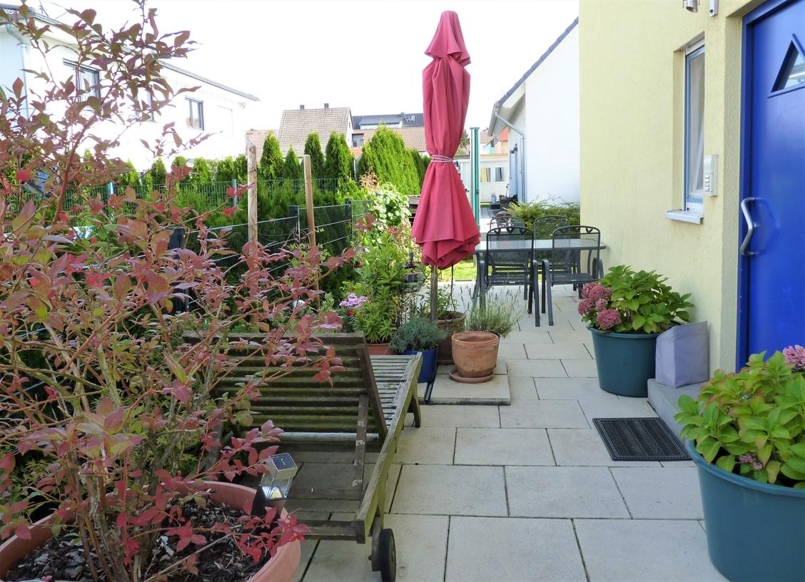 Eingang - kleine Terrasse