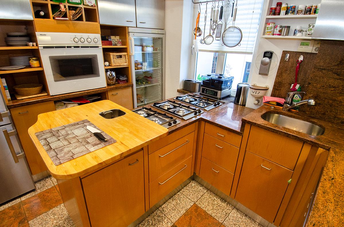 Viel Arbeitsflächen trotz kleinem Küchenschnitt