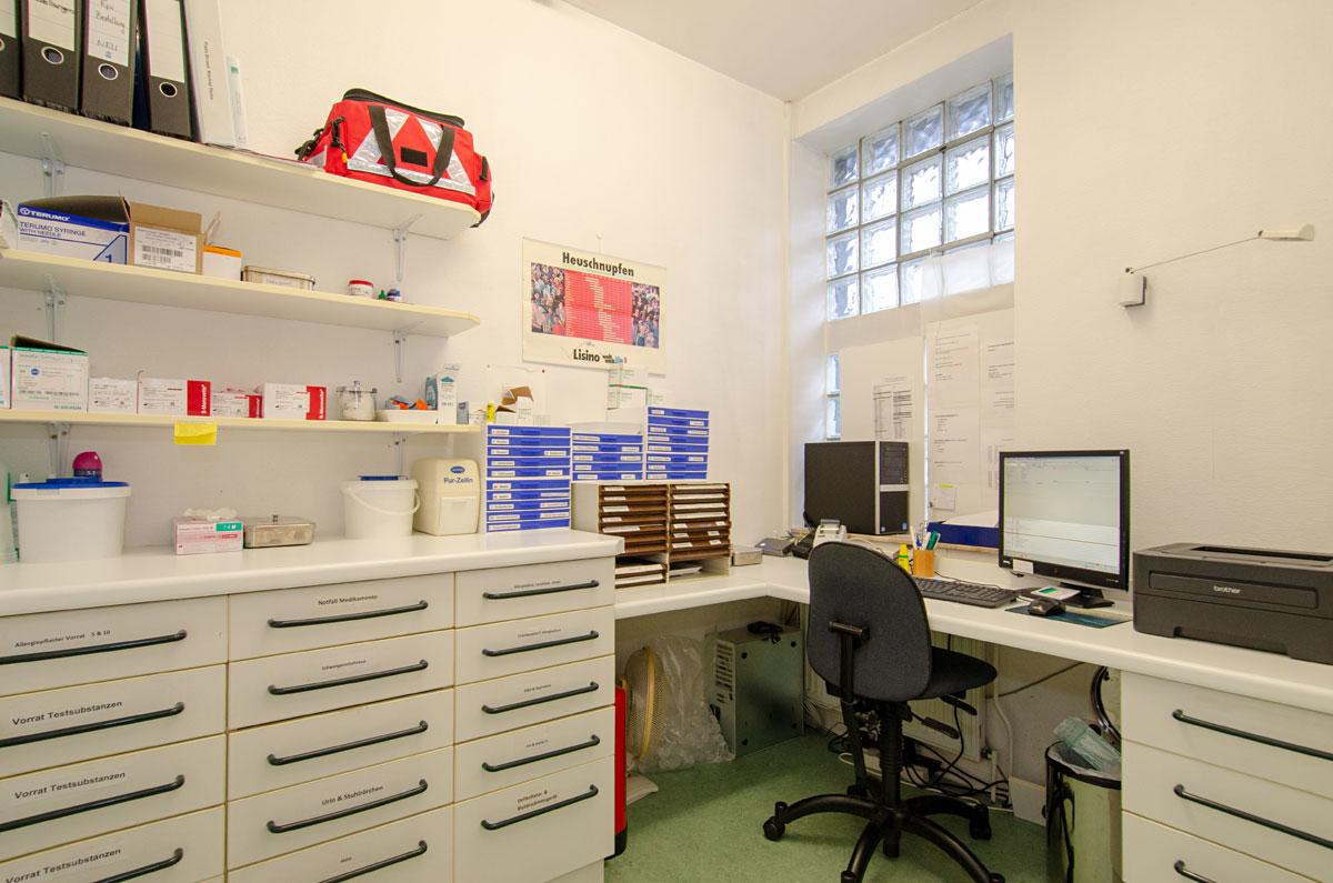 Labor mit einer kleiner Tageslichtquelle