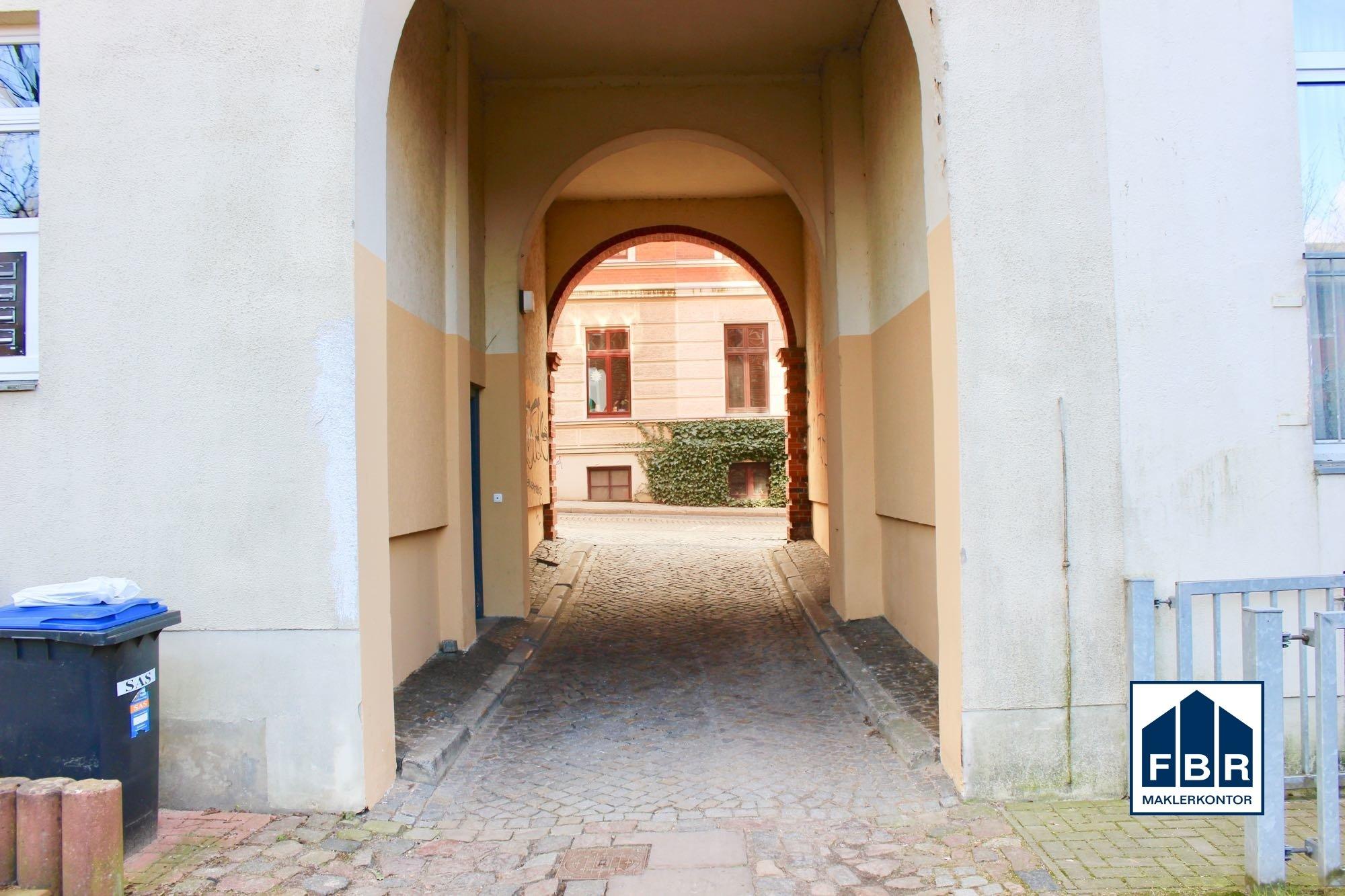Durchfahrt Hinterhof