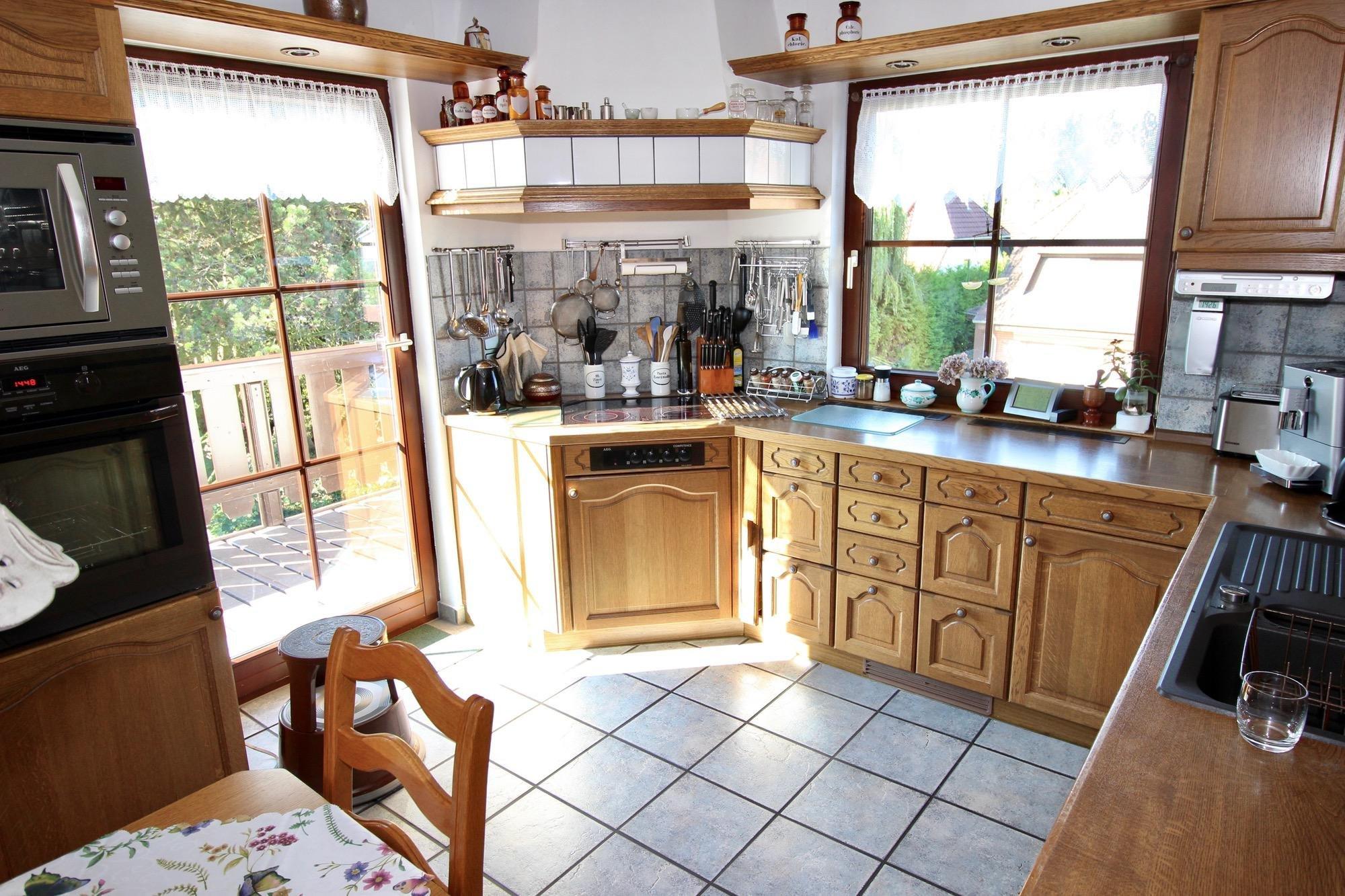 Blick in die Küche im Erdgeschoss