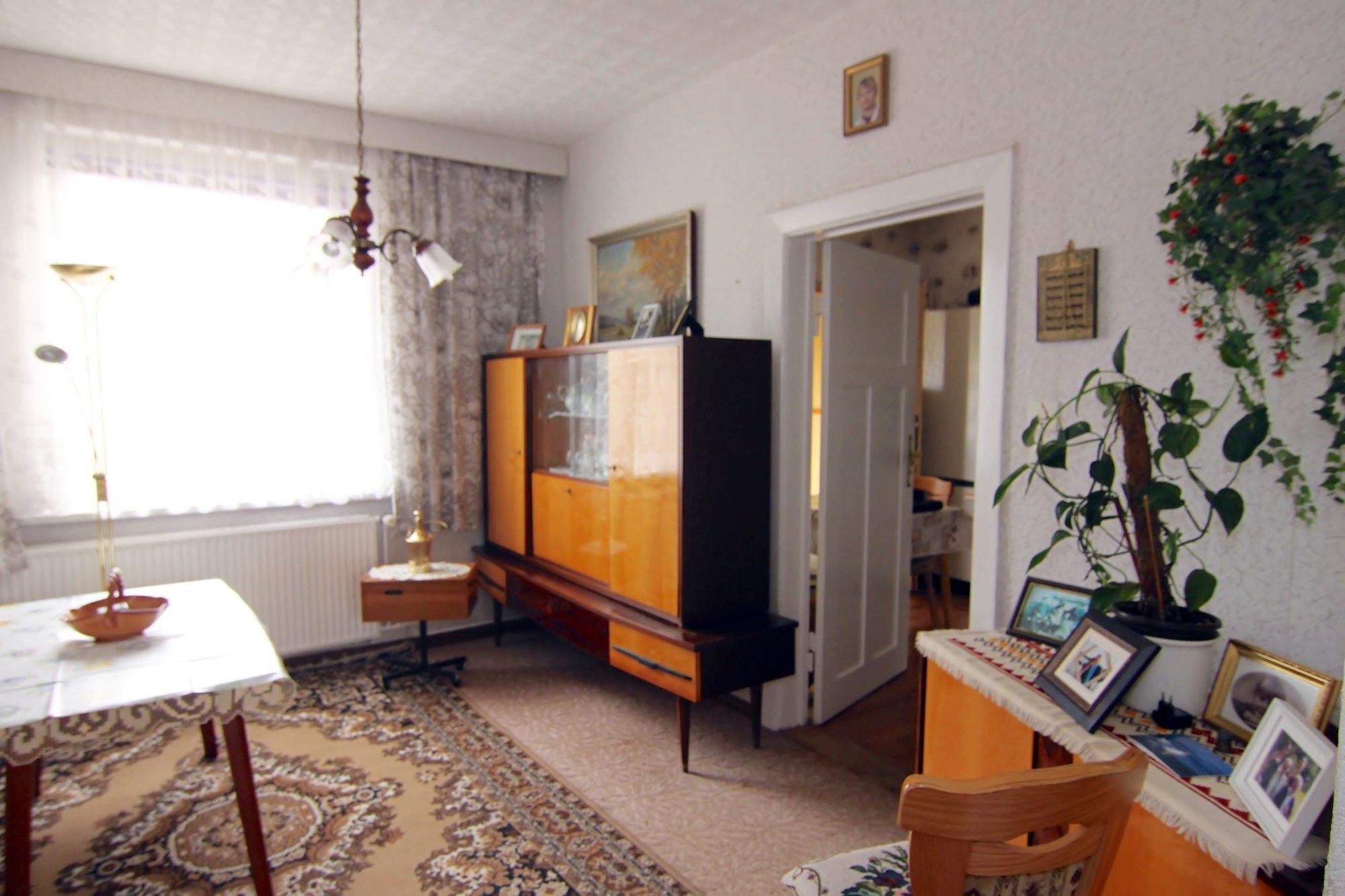 Esszimmer - Teil 2 mit Tür zur Küche
