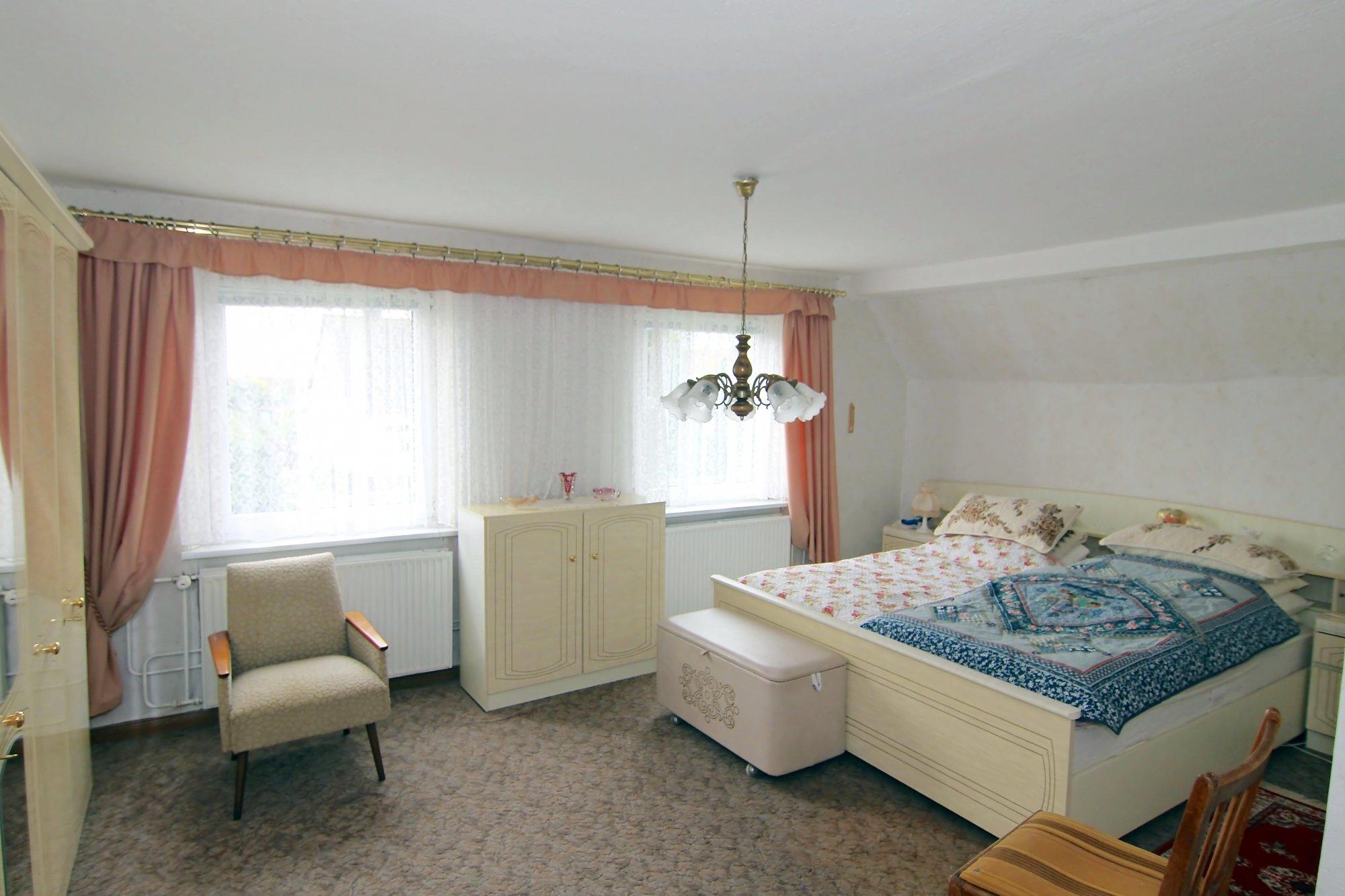Das Schlafzimmer im DG