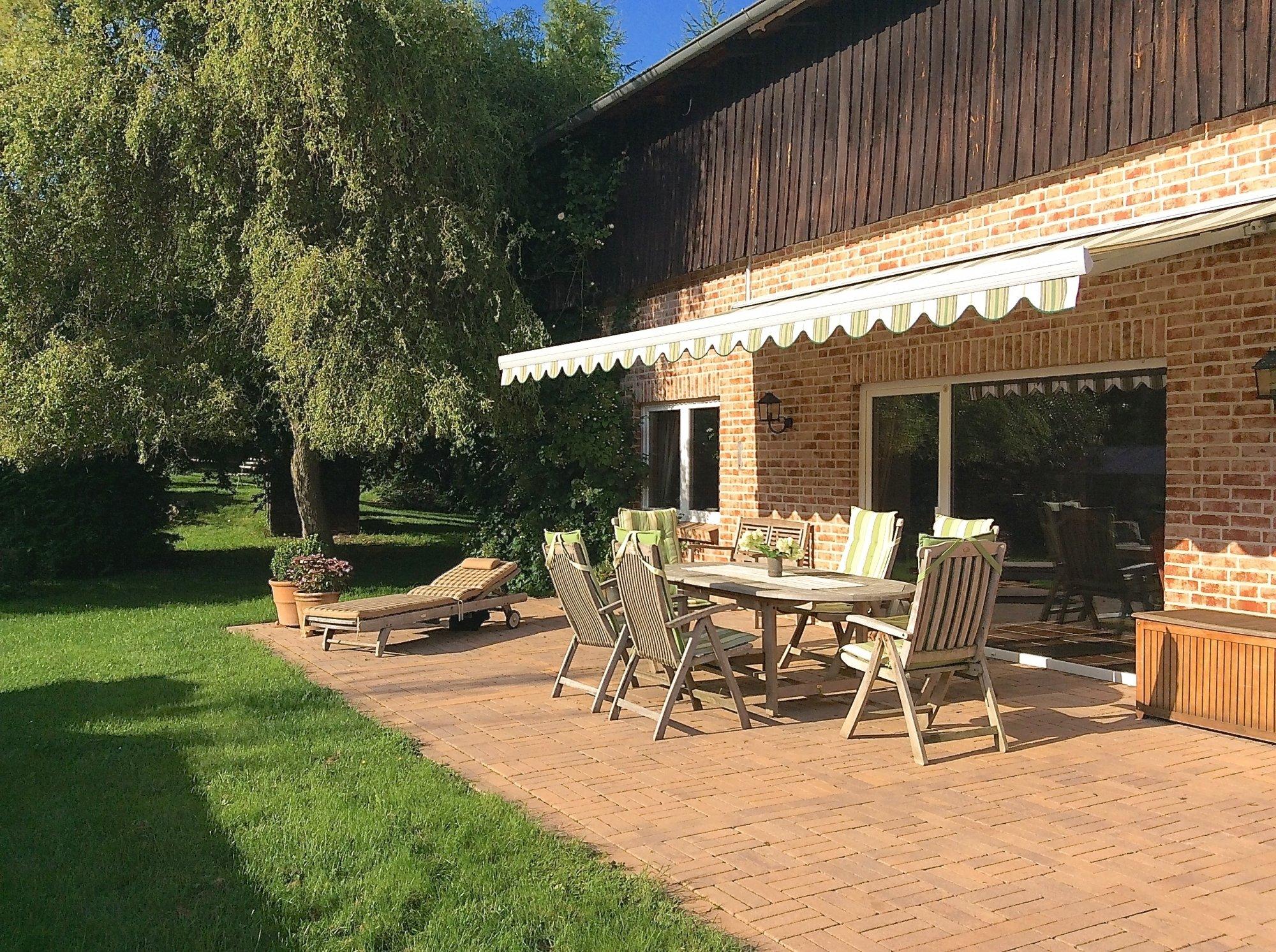 Genuss pur - ca. 45 m² Terrasse am Wohnzimmer