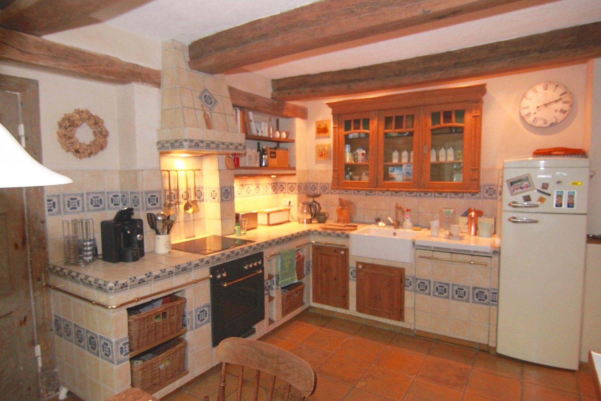 Die urige Küche des Hauses