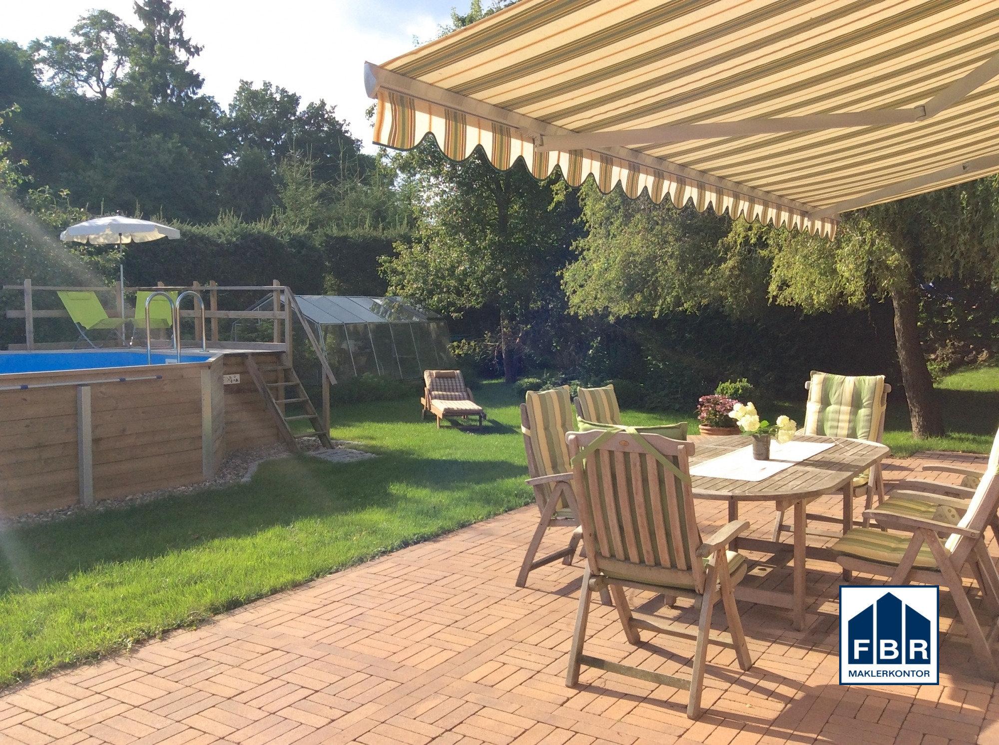 Sonnenterrasse mit Markise + Pool