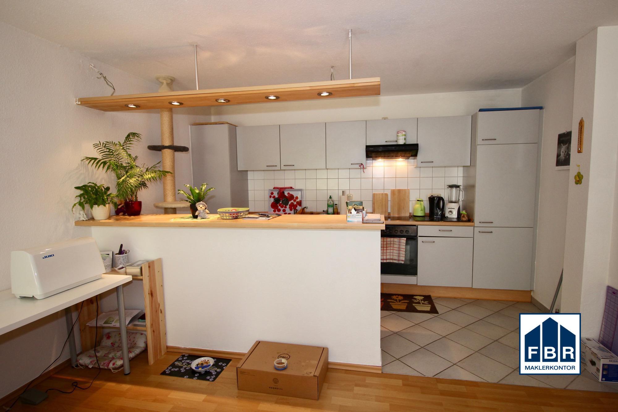 Einbauküche mit Bar weitere Ansicht
