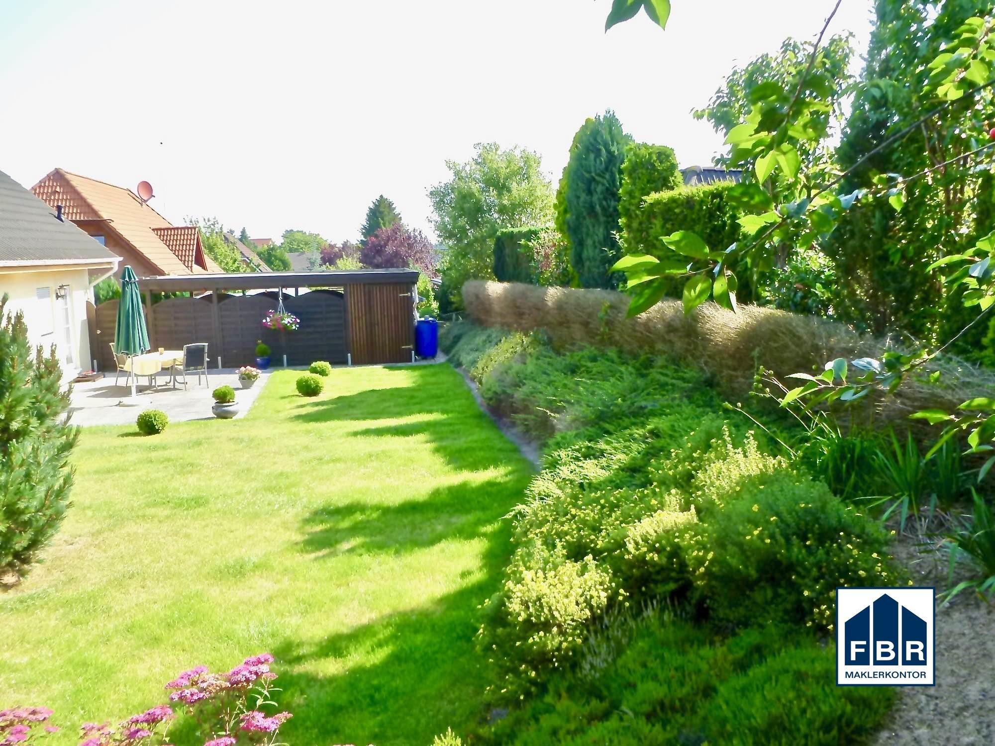 Gartengestaltung und gepflegte Grünanlage
