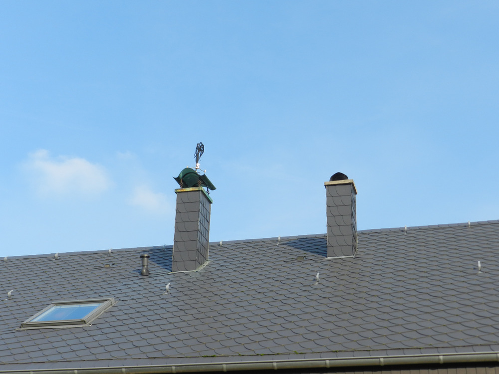 neuwertige Dacheindeckung