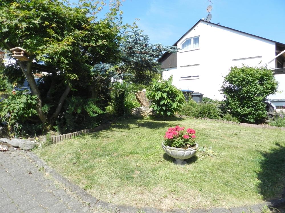 Grundstück vor dem Haus