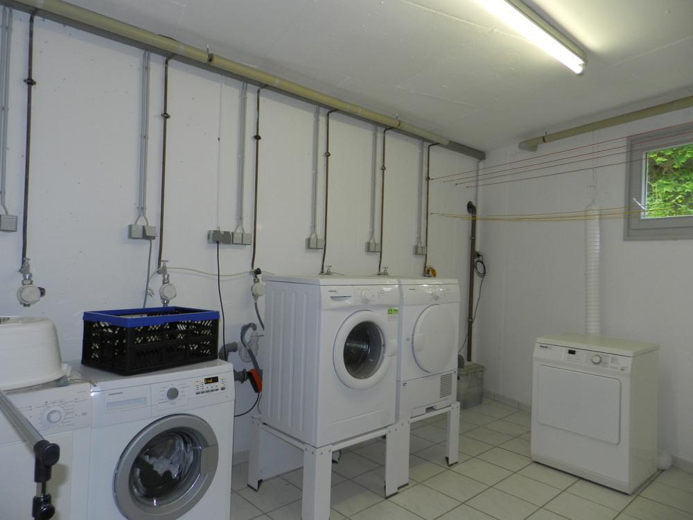 Gemeinschafts-Waschraum