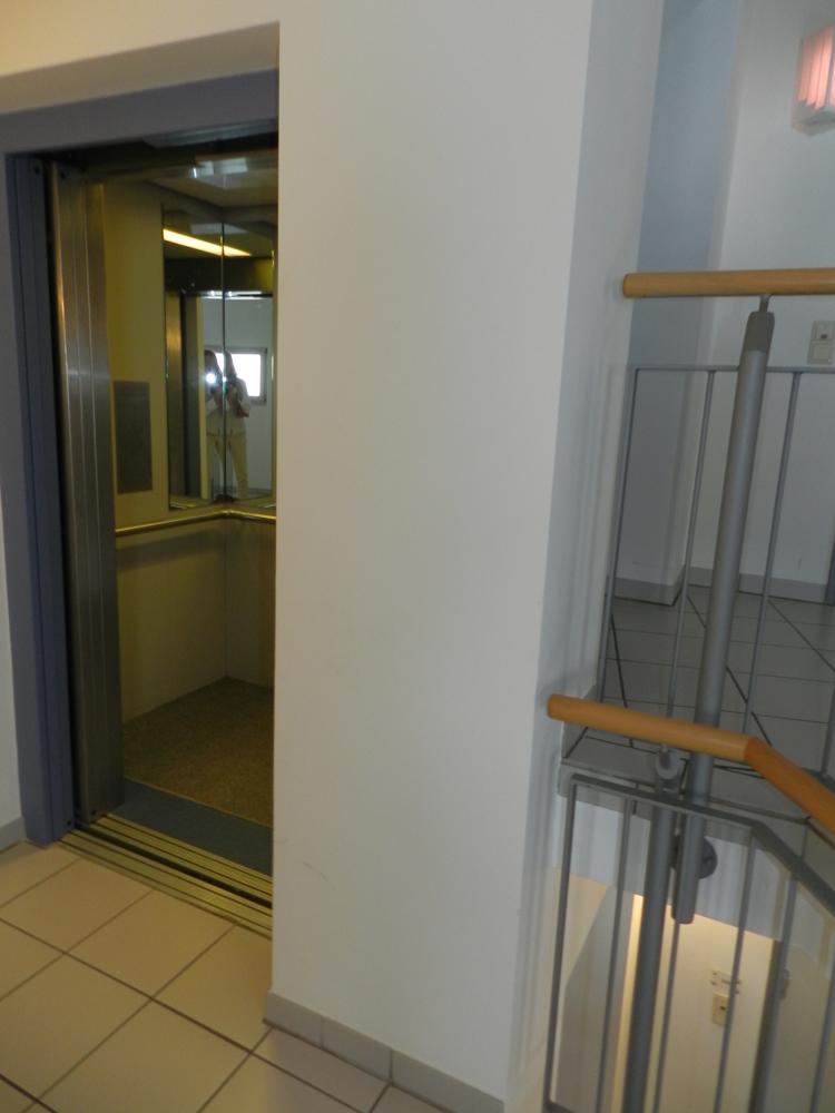 Aufzug direkt vor der Wohnungstür