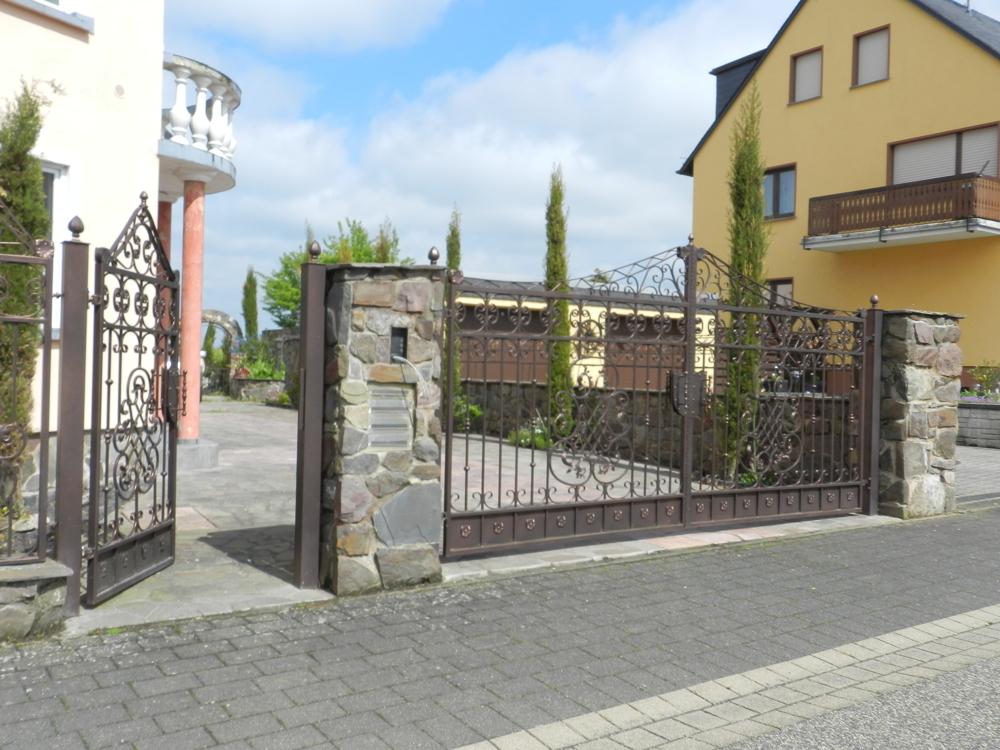 Tor zur Hauptstraße