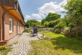 Garten mit Terrasse x