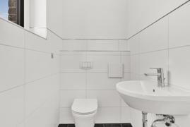 Gäste-WC (Fotos stammen aus der linken DHH