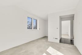 Zimmer mit Ankleideraum (Fotos stammen aus der linken DHH