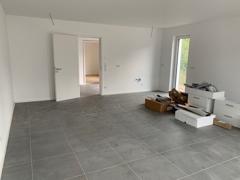 offene Küche-/Wohn-/Esszimmer (Foto DHH links)
