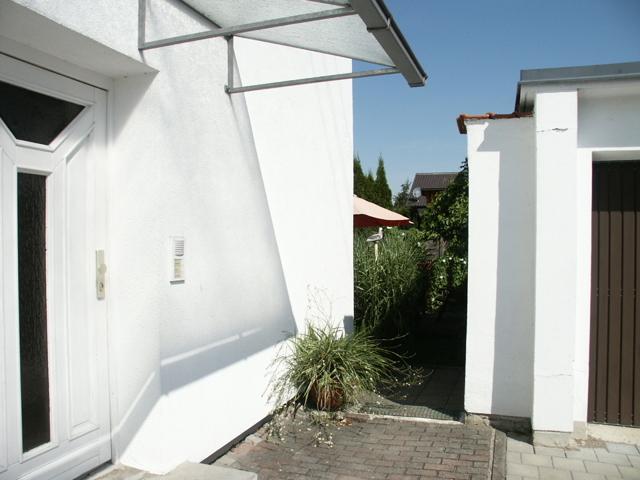 Hauseingang mit Gartenzugang