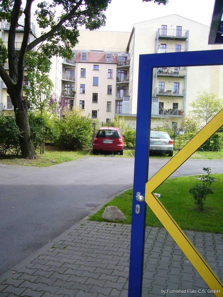 FF Invaliden Parkplatz (rote Wagen)