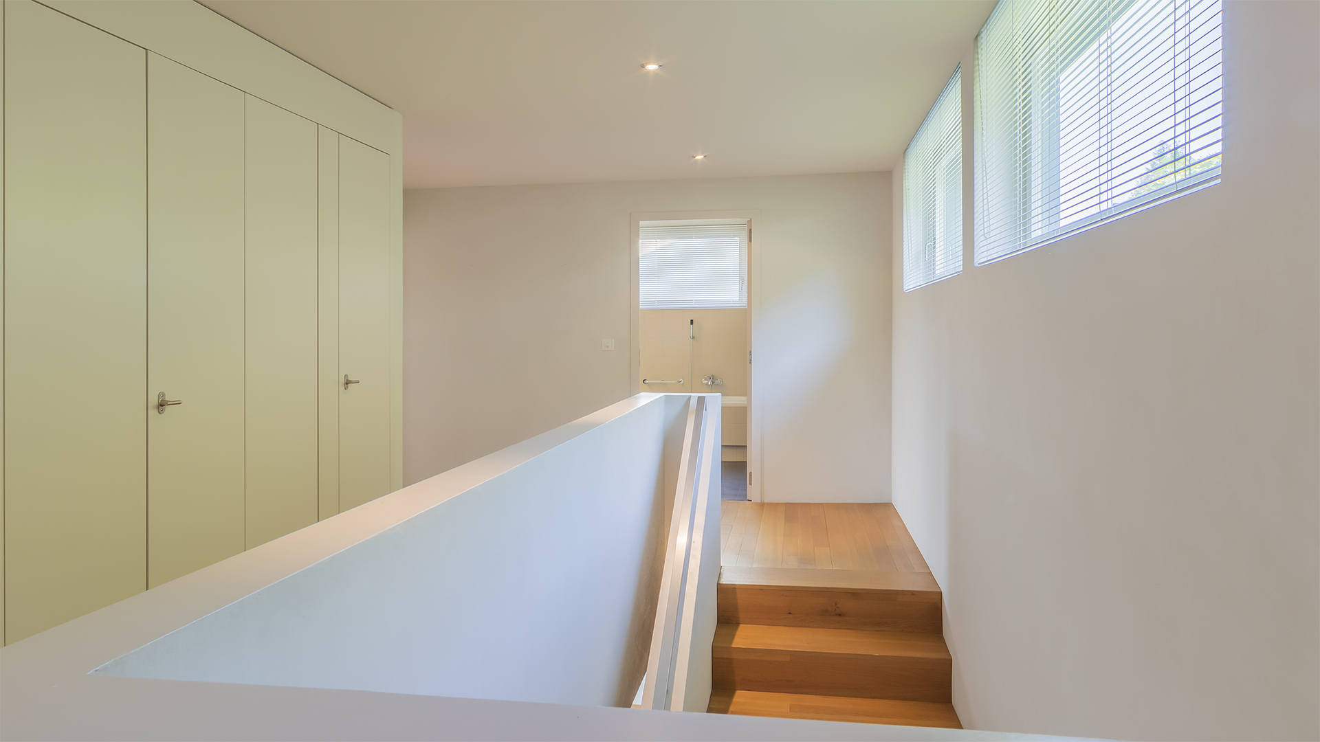 Der Treppenaufgang ins Obergeschoss.