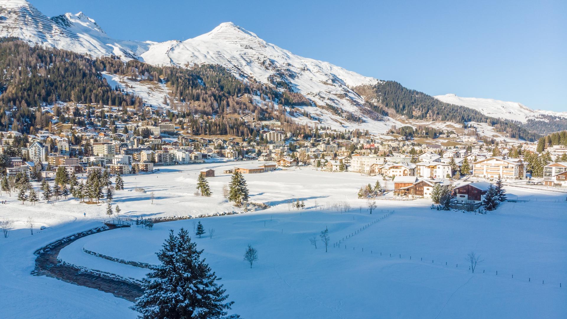 Davos bietet im Sommer und Winter zahlreiche Highlights.