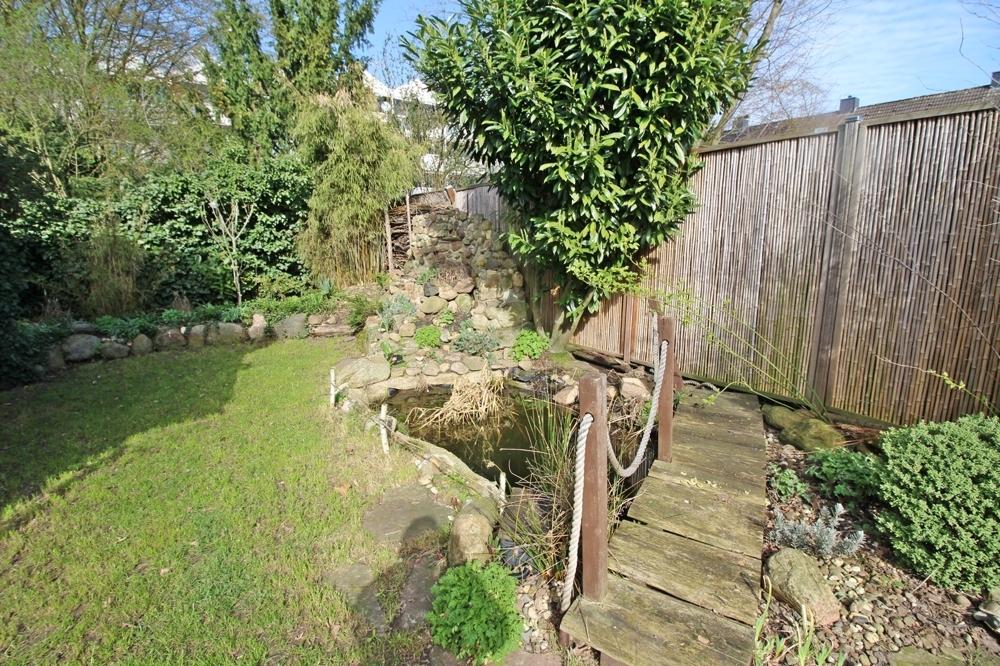 Gartenmit Teich