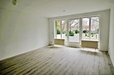 Wohnzimmer mit neuem Fußboden