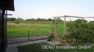 Garten mit Ausblick über die Felder