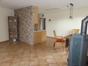 offen gestalteter Wohnbereich mit Küche