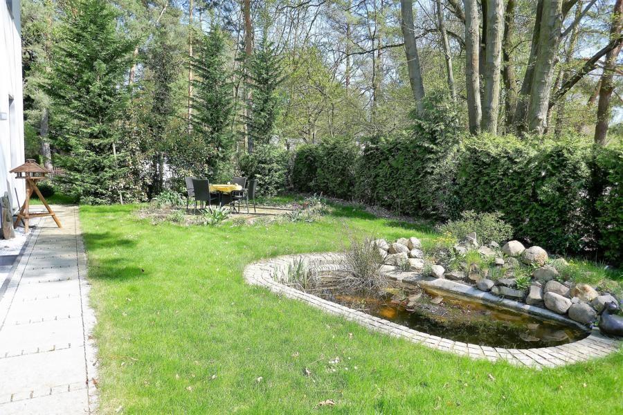 2. Terrasse + Steingarten