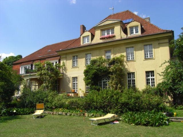 Villa_Gartenseite