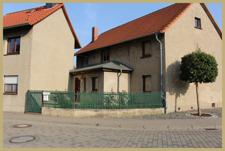 Wohnhaus und Anbau