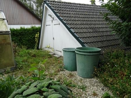 Garten mit Abstellraum