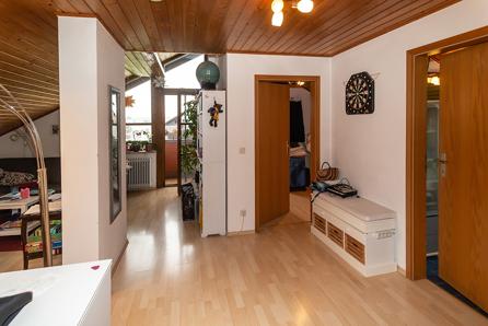 Flur Blick zum Wohnzimmer