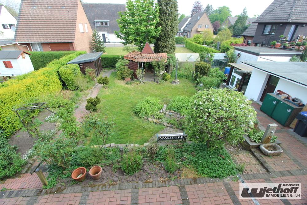 Blick aus dem OG in den Garten