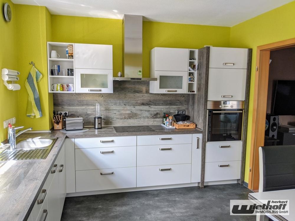 Die geräumige Küche