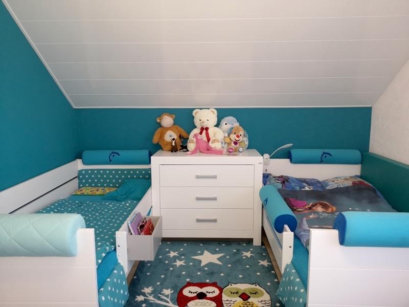 Platz für zwei Kinder im großzügigen Kinderzimmer