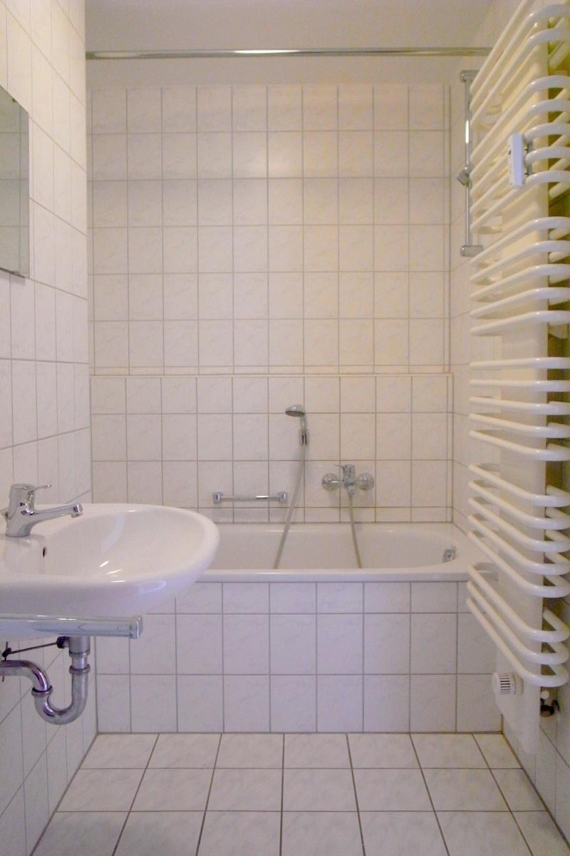 Badezimmer m Wanne