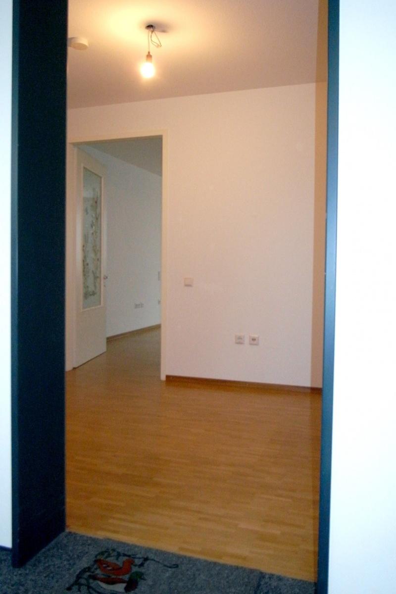 Blick in die Wohnung vom Hausflur
