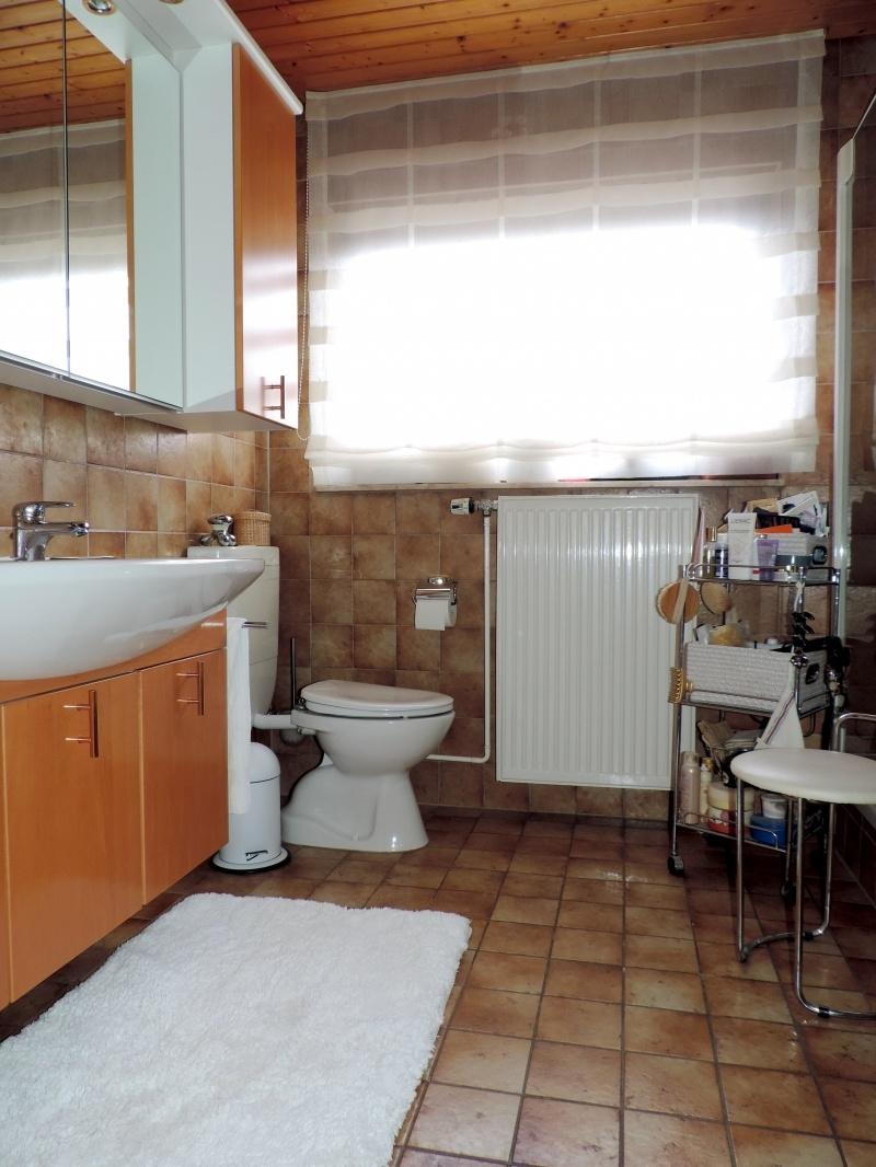 Tageslichtbad mit Wanne + Dusche 1.OG